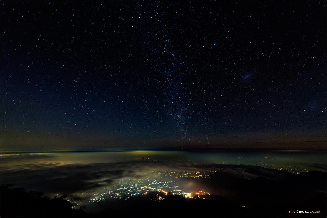 Ночь над островом Ява. Индонезия