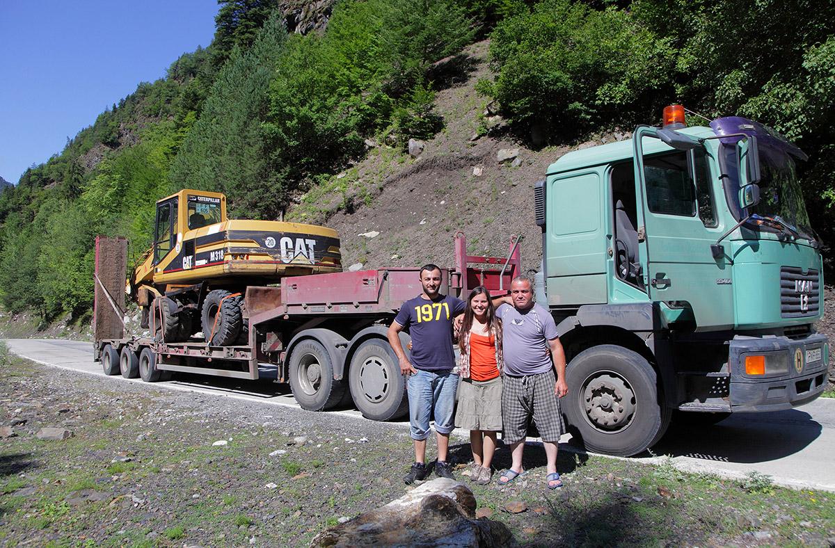 С лихими водителями на горных дорогах Грузии