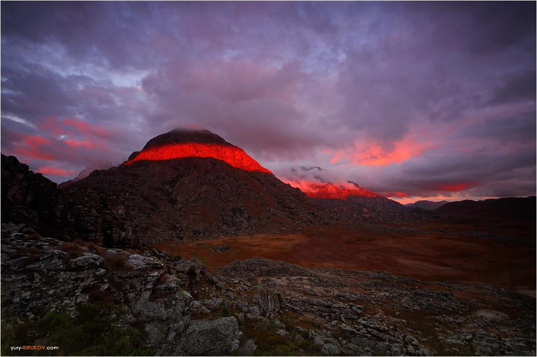 Закат в горах Чиманимани. Зимбабве
