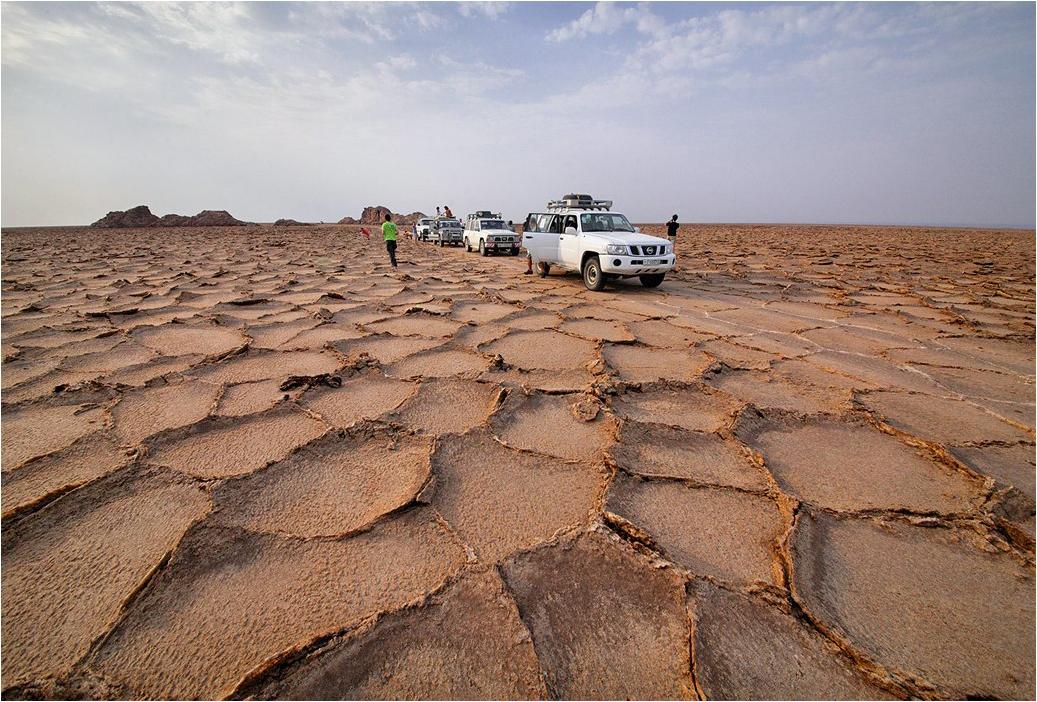 Высохшие соляные озера впадины Данакиль