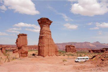 Природные столбы в национальном парке Талампайя. Аргентина