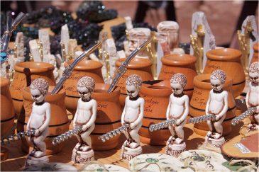 Сувениры в туристическом местечке Пуэнте дель Инка. Аргентина