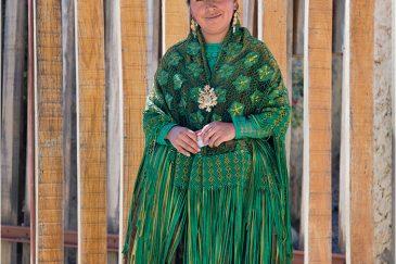 Боливийская женщина в традиционной одежде