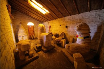 Музей соляных фигур возле поселка Уюни. Боливия