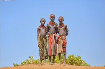 Девочки из племени Дасанеч. Долина реки Омо