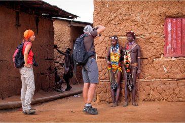 Аборигены Хамер в поселке Турми
