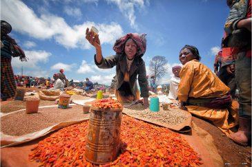 Рынок в деревне Ченча