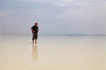 Соленое озеро во впадине Данакиль
