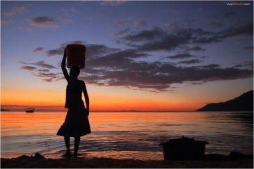 Закат на озере Малави