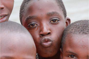 Дети на берегу Танганьики
