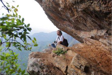 Пещеры и виды в горах Усамбара