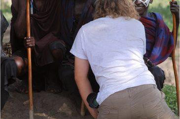 Фотографирование подростков масаи в заповеднике Нгоронгоро