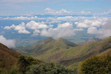 Треккинг над облаками в горах Кипенгере