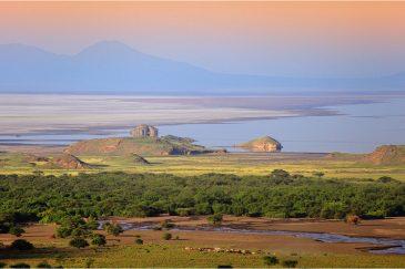 Озеро Натрон - священное озеро племени масаев