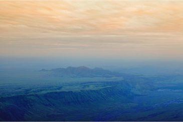 Великая рифтовая долина. Вид со склона священоого для масаев вулкана Ол Доньо Ленгаи