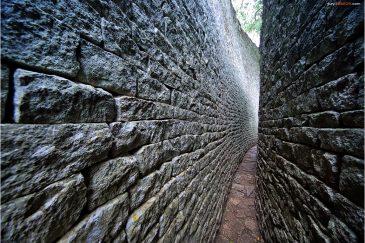 Стены Великого Зимбабве
