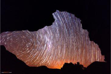 Звезды из окна пещеры в горах Чиманимани