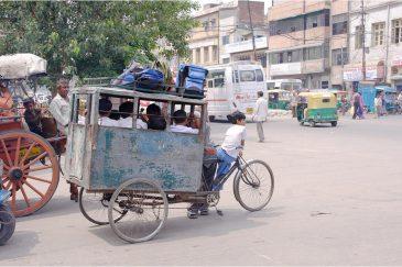 Школьный велоавтобус в Дели. Индия