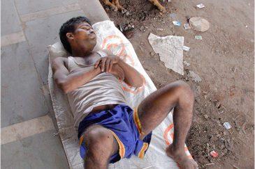 Индийские реалии. Улица в Дели. Индия