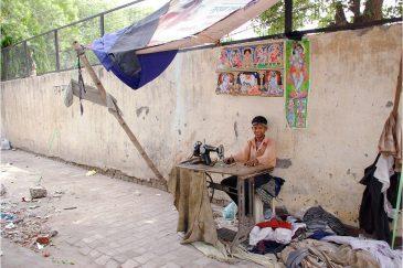 Работа на улице Старого Дели. Индия