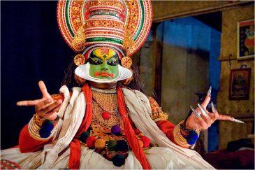 Актер катхакали - древнего индийского театра. Штат Керала. Индия