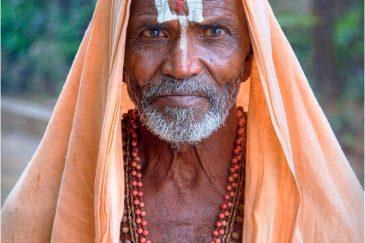 Садху в храме Шрирангам, штат Тамилнаду. Индия