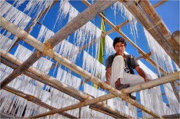 Макаронная фабрика в Калимпонге, Западная Бенгалия. Индия