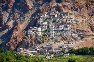 Монастырь Курча-гомпа в долине Занскар. Ладакх, штат Джамму и Кашмир. Индия
