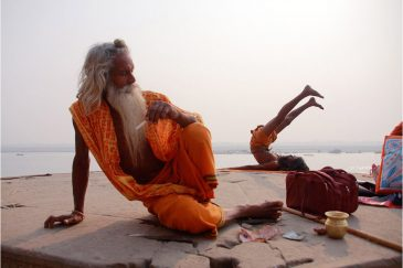 Йоги и садху в Варанаси. Индия