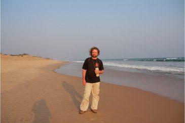 На пустынном пляже возле города Пури. Штат Орисса. Индия