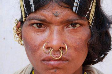Женщина племени Донгрия, штат Орисса. Индия