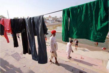 Большая стирка в Пушкаре. Штат Раджастан. Индия