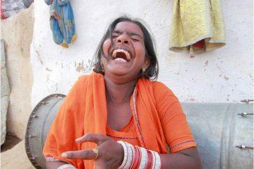 Девушка на улице Джайсалмера, штат Раджастан. Индия