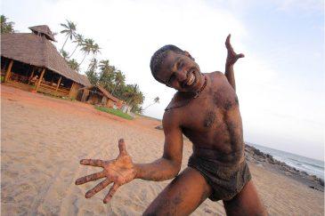 Любитель повыделываться на пляже Варкала, штат Керала. Индия