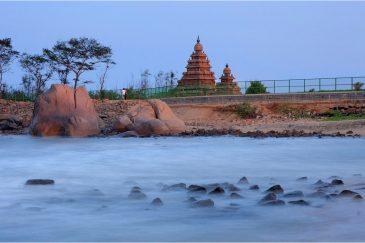 Пейзаж на длительной выдержке. Мамаллапурам, штат Тамилнаду. Индия