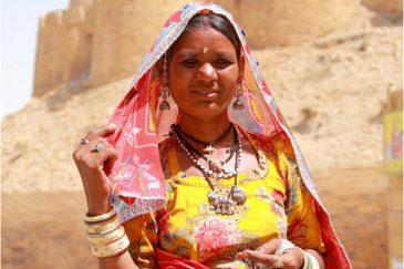Раджастанская женщина в Джайсалмере. Индия
