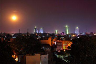 Ночной Мадурай и комплекс храма Минакши. Штат Тамилнаду. Индия