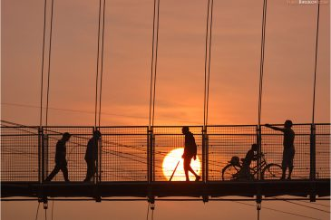 Мост над Гангой. Ришикеш, штат Уттаракханд. Индия
