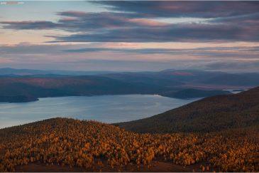 Озеро Хубсугул на закате. Монголия
