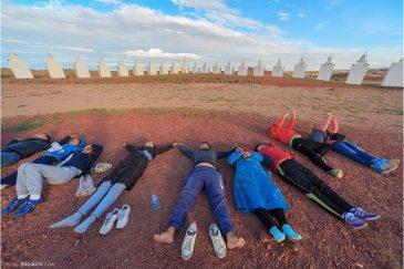 Подпитка энергией в энергетическом центе Шамбала в пустыне Гоби. Монголия