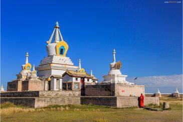 Ступа монастыря Эрдэнэ Зуу в городе Хархорин. Монголия