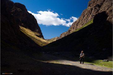 В ледяном каньоне Елын Ам. Монголия