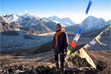 На вершине Кала-Паттар в окрестностях Эвереста