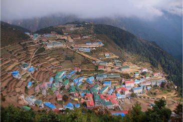 Поселок Намче Базар по пути к Эвересту