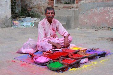 Продавец красок в Катманду