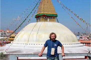 У ступы Боднатх в пригороде Катманду