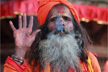 Псевдосадху с сигаретой в Катманду
