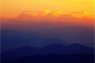 Утренние Гималаи. Вид из поселка Бандипур