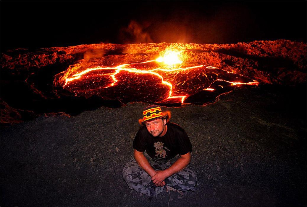 У кратера действующего вулкана Эрта Але во впадине Данакиль. Эфиопия