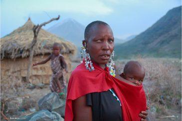 Деревня племени масаи возле озера Натрон в северной Танзании